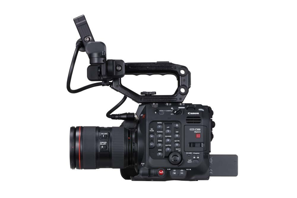 EOS C500 Mark II WITH FULL KIT AND EF LENS RIGHT SIDE